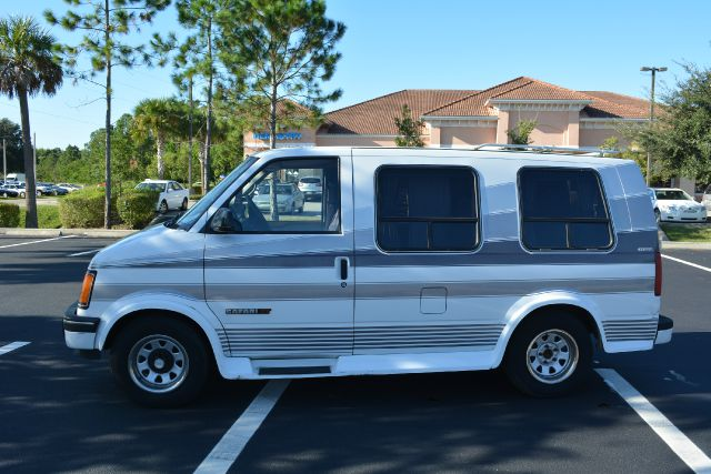 1993 GMC Safari #9