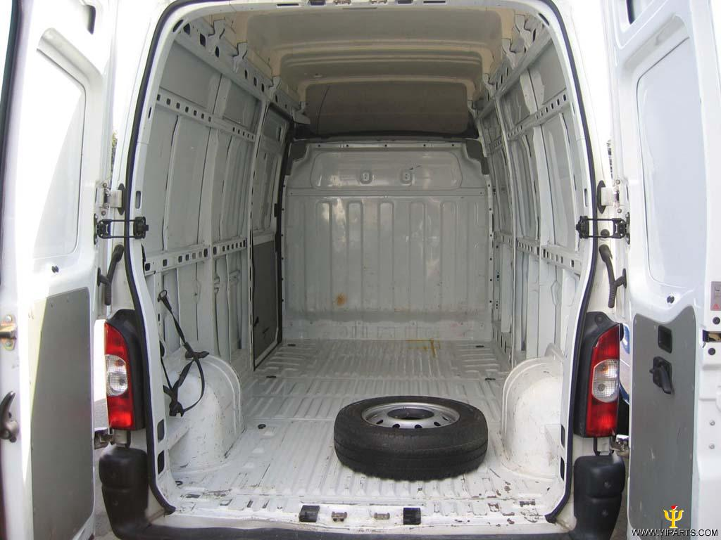 2006 Nissan Interstar #12