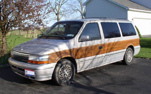 1992 Chrysler Town And Country #7