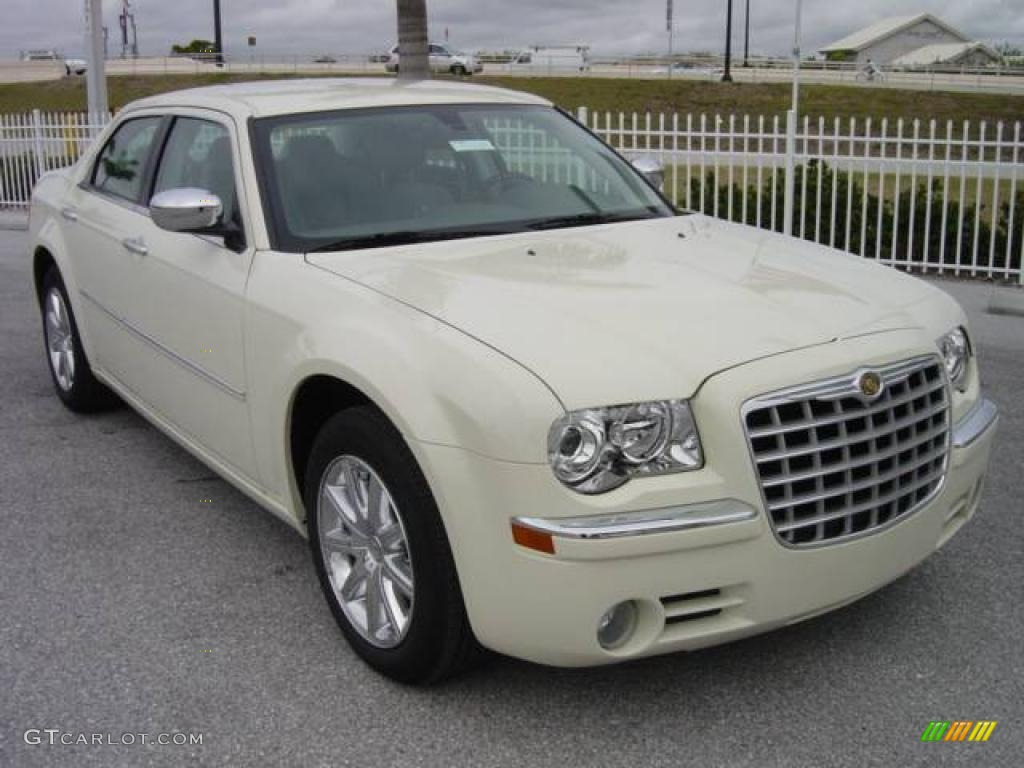 2009 Chrysler 300 #13