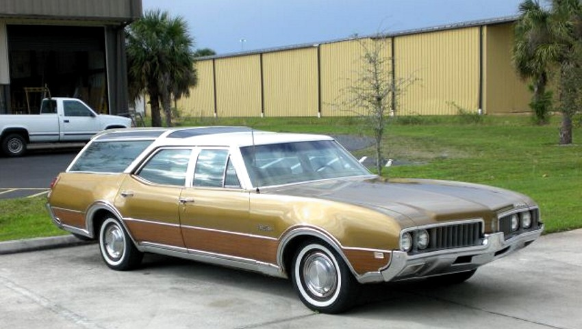 Oldsmobile Vista Cruiser #4