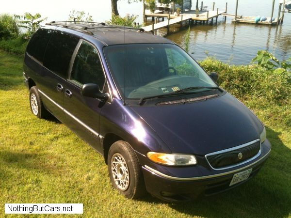 1997 Chrysler Town And Country #13