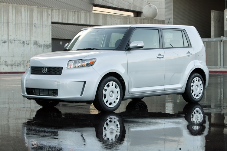 2009 Scion Xb #5