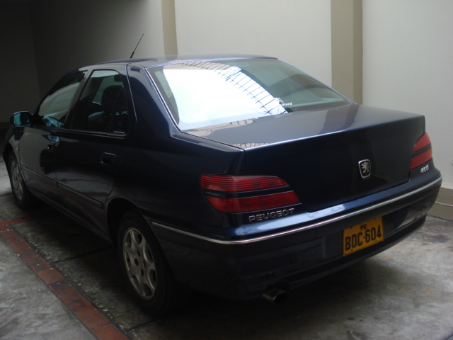 2004 Peugeot 406 Photos, Informations, Articles