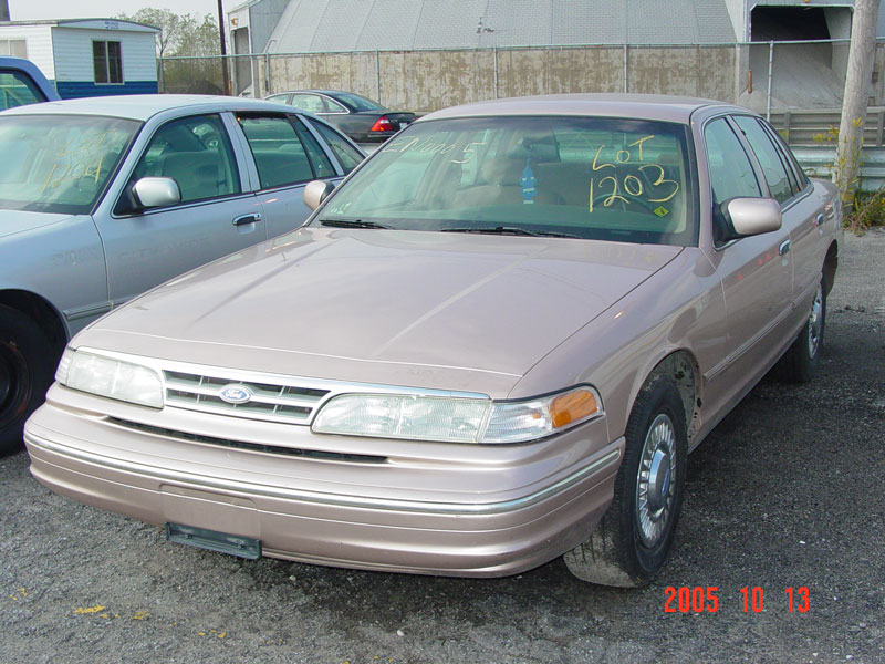 1996 Ford Crown Victoria #15