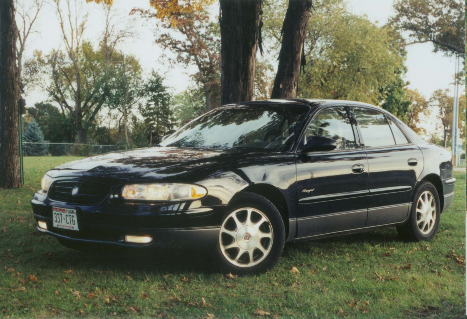 1997 buick regal photos informations articles. Black Bedroom Furniture Sets. Home Design Ideas