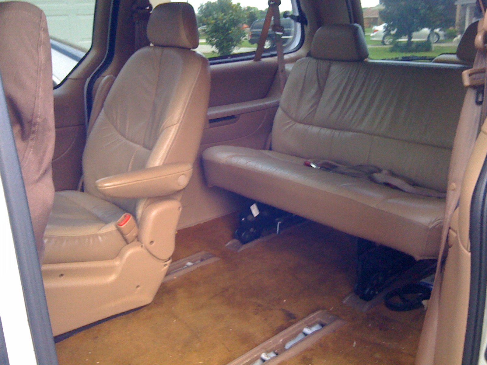 1998 Chrysler Town And Country #5