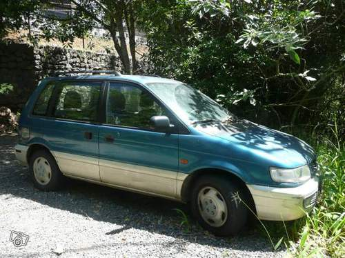 1994 Mitsubishi Space Wagon #14