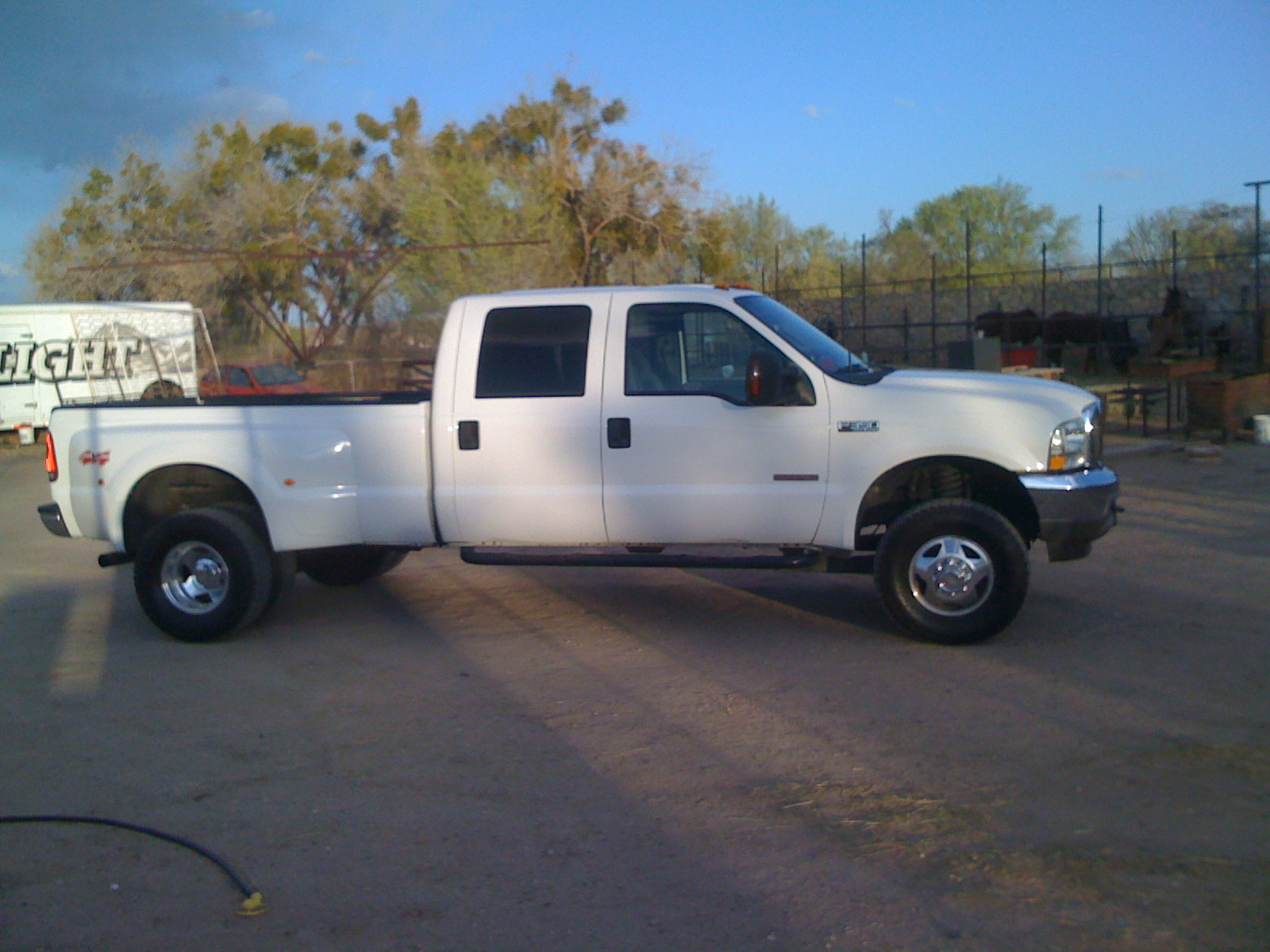 2003 ford f 350 super duty photos informations articles. Black Bedroom Furniture Sets. Home Design Ideas