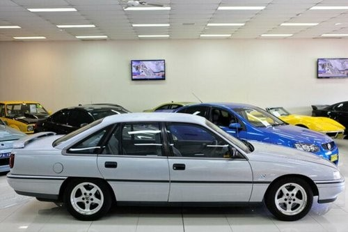 1990 Holden Commodore #10
