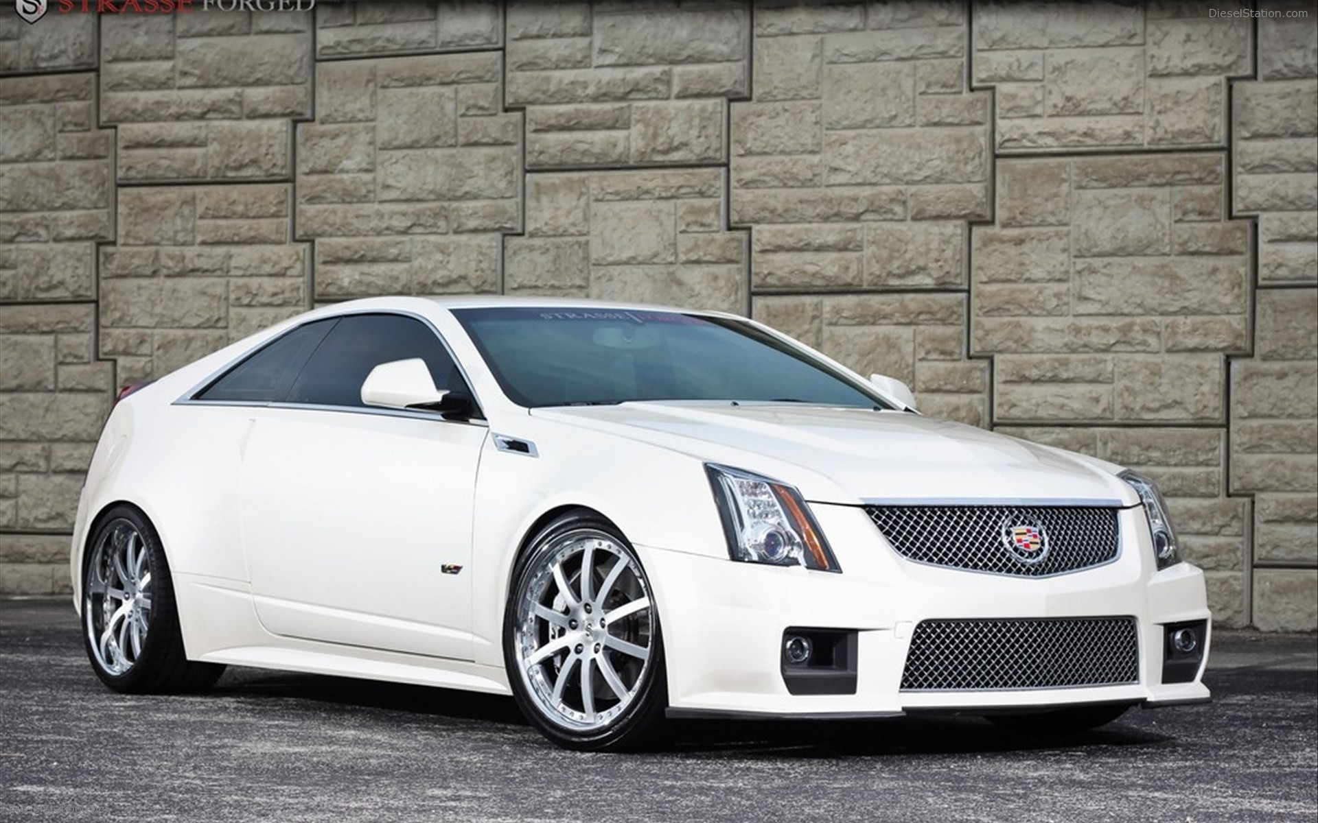 2012 cadillac cts v coupe photos informations articles. Black Bedroom Furniture Sets. Home Design Ideas