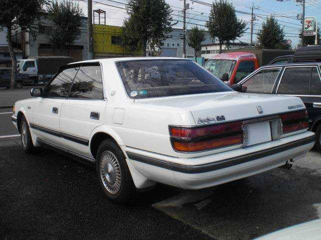 1987 Toyota Crown #9