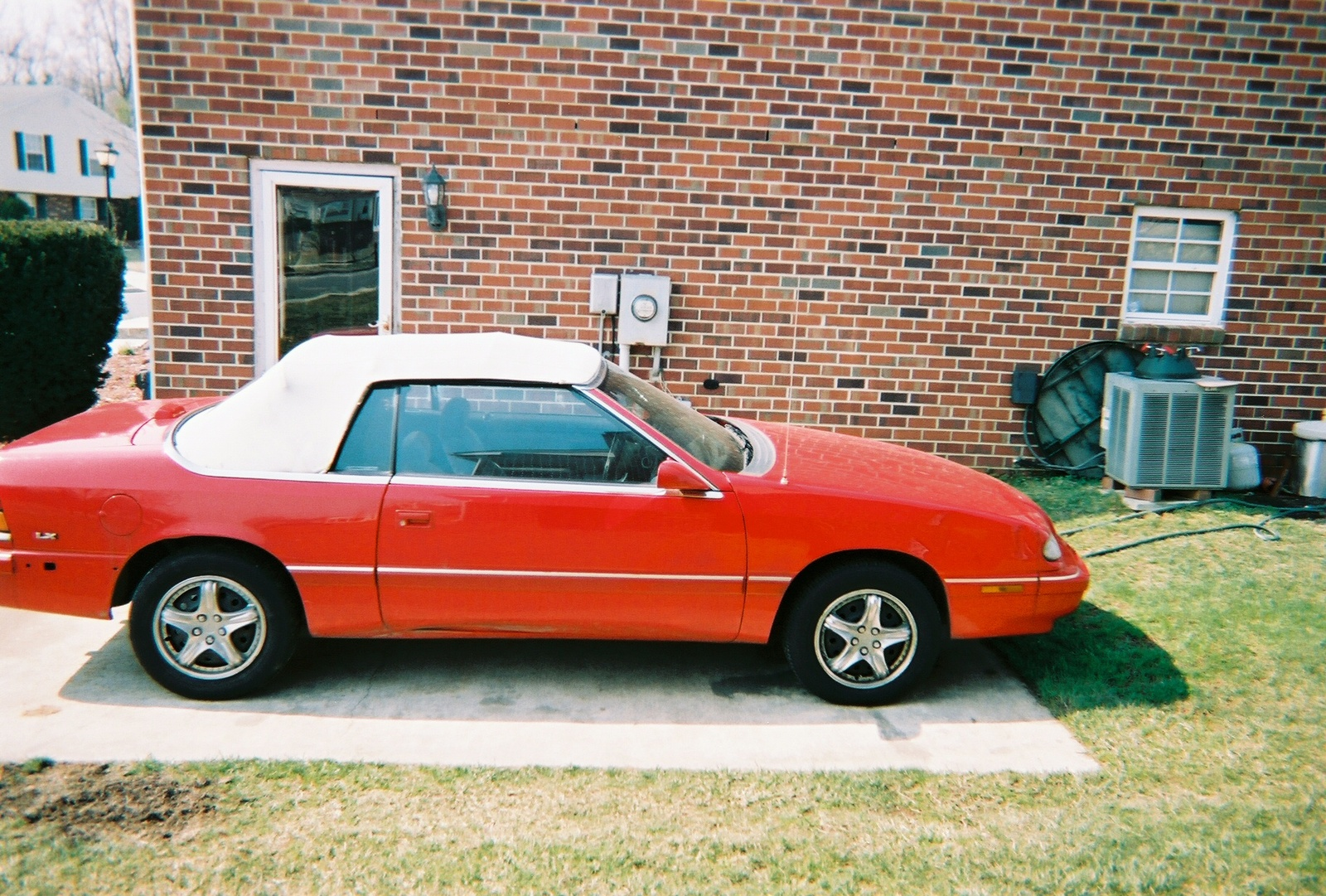 1995 Chrysler Le Baron #12