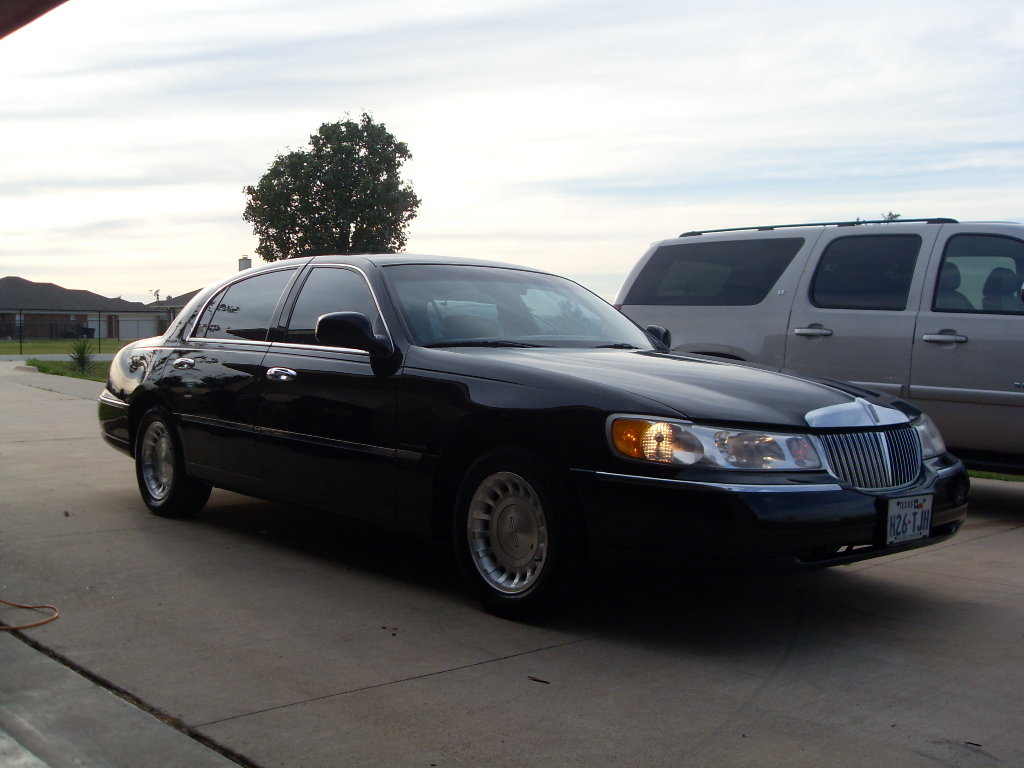 2002 Lincoln Town Car Photos Informations Articles Bestcarmag Com