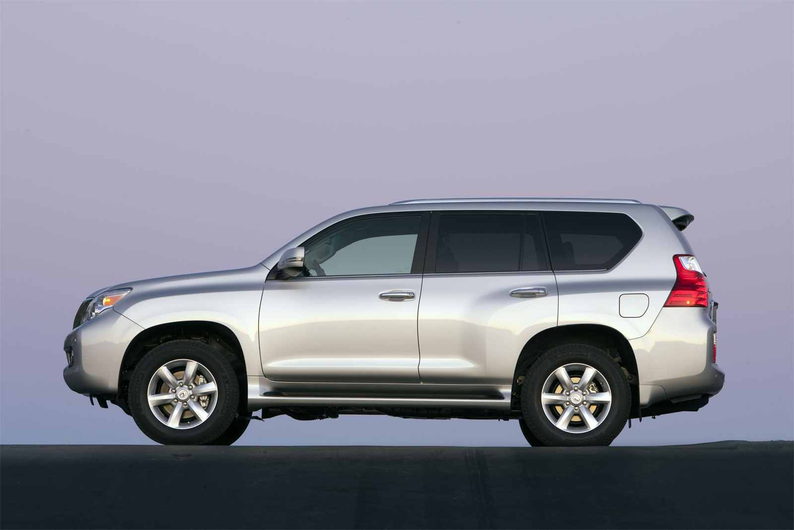 2012 lexus gx 460 photos informations articles. Black Bedroom Furniture Sets. Home Design Ideas