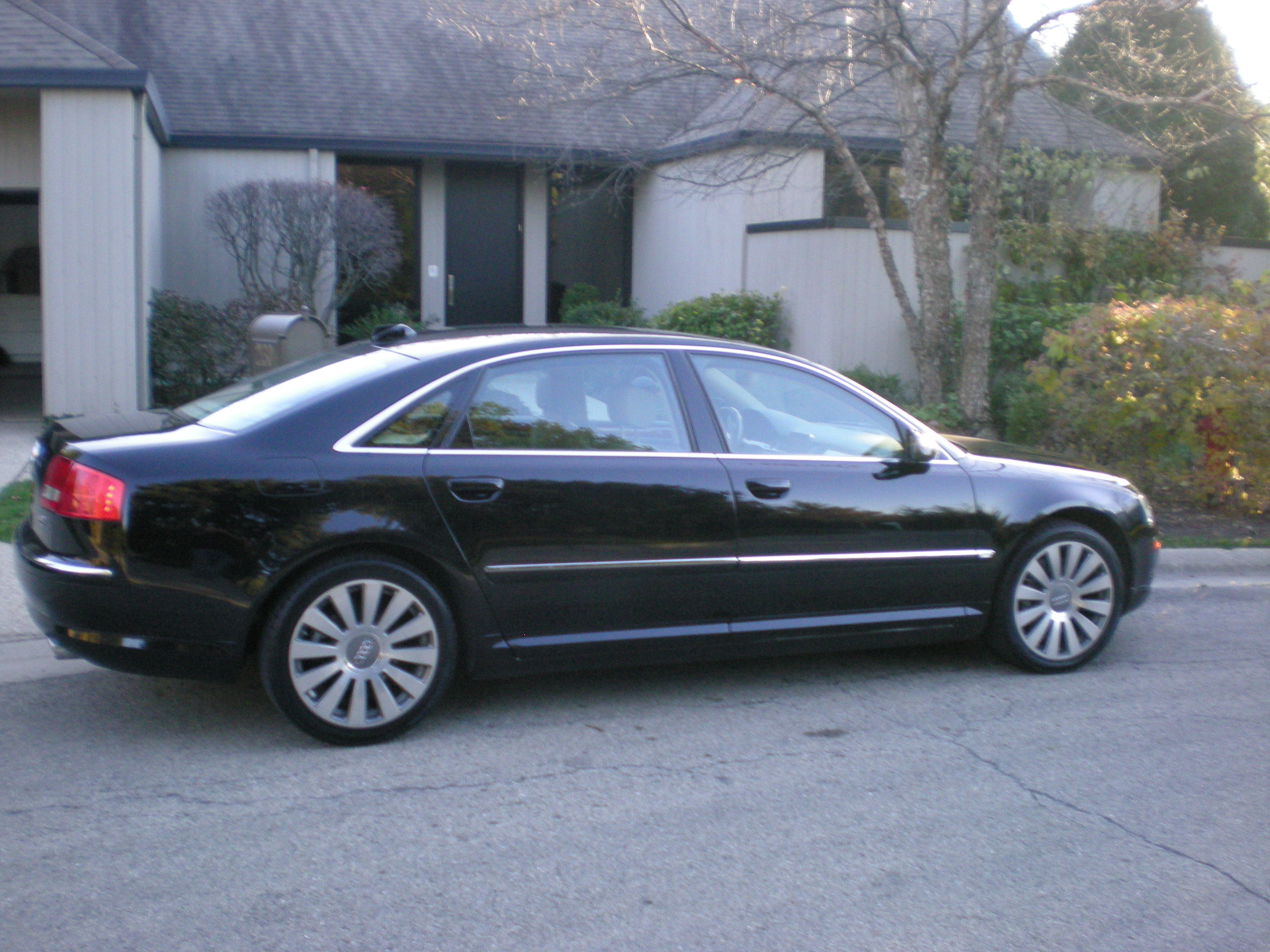 2004 audi a8 photos informations articles. Black Bedroom Furniture Sets. Home Design Ideas