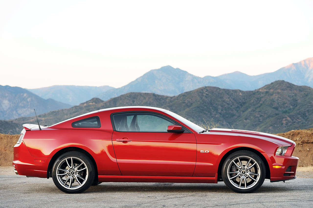2013 Ford Mustang #10