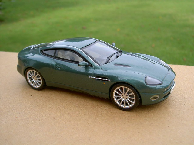 2002 aston martin v12 vanquish photos informations. Black Bedroom Furniture Sets. Home Design Ideas