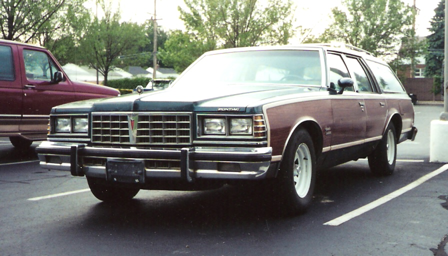 1977 Pontiac Grand Safari #1