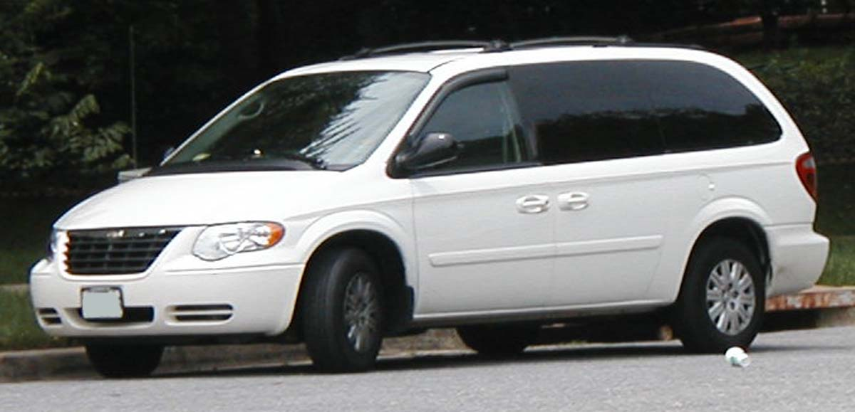 2006 Chrysler Town And Country #4