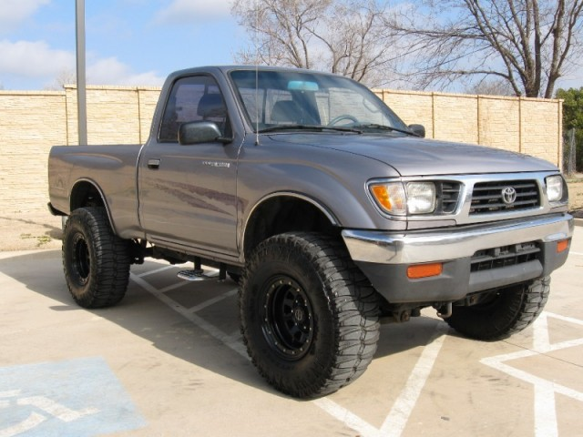 1995 toyota tacoma photos informations articles. Black Bedroom Furniture Sets. Home Design Ideas