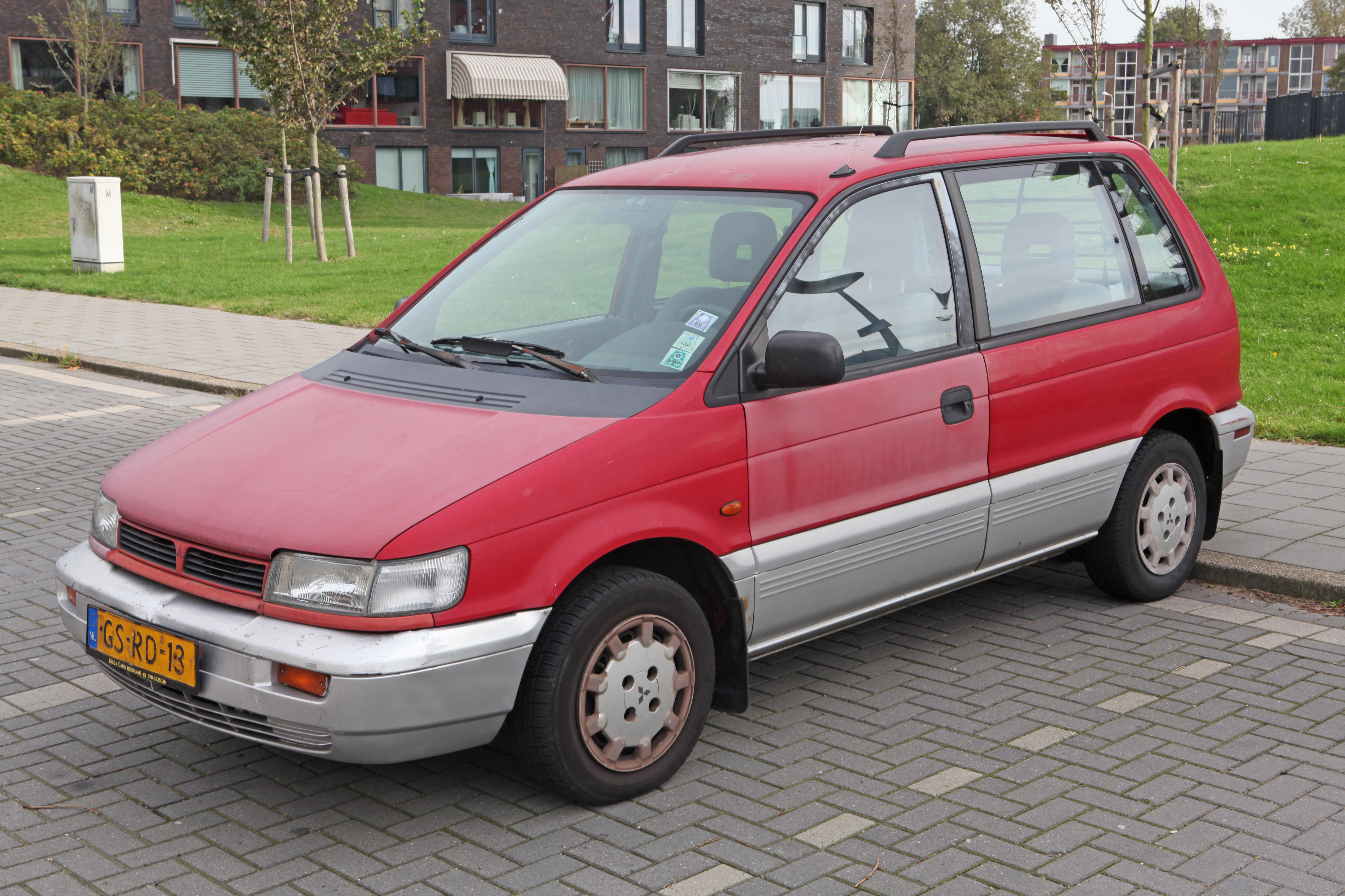1993 Mitsubishi Space Runner #6