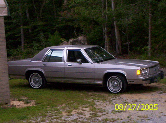1991 Ford Ltd Crown Victoria #15