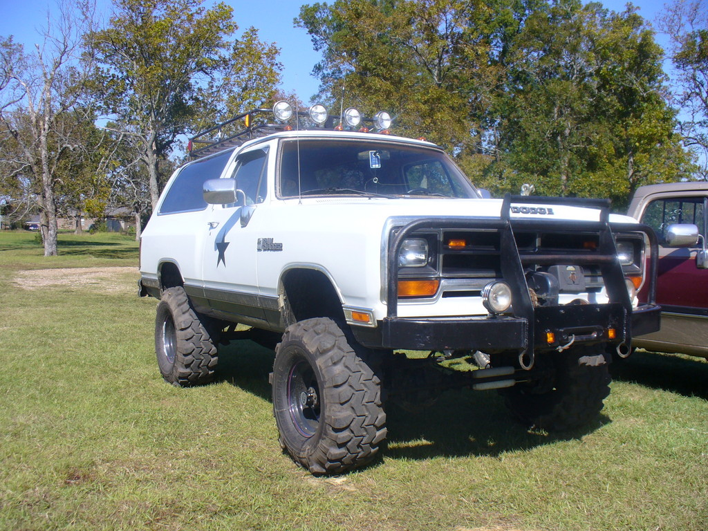 Dodge Ramcharger #16