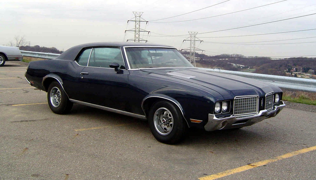 Oldsmobile Cutlass Supreme #18