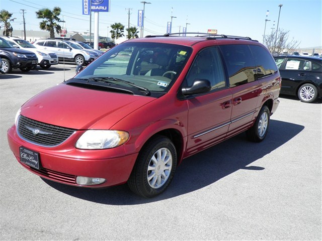2003 Chrysler Town And Country #12