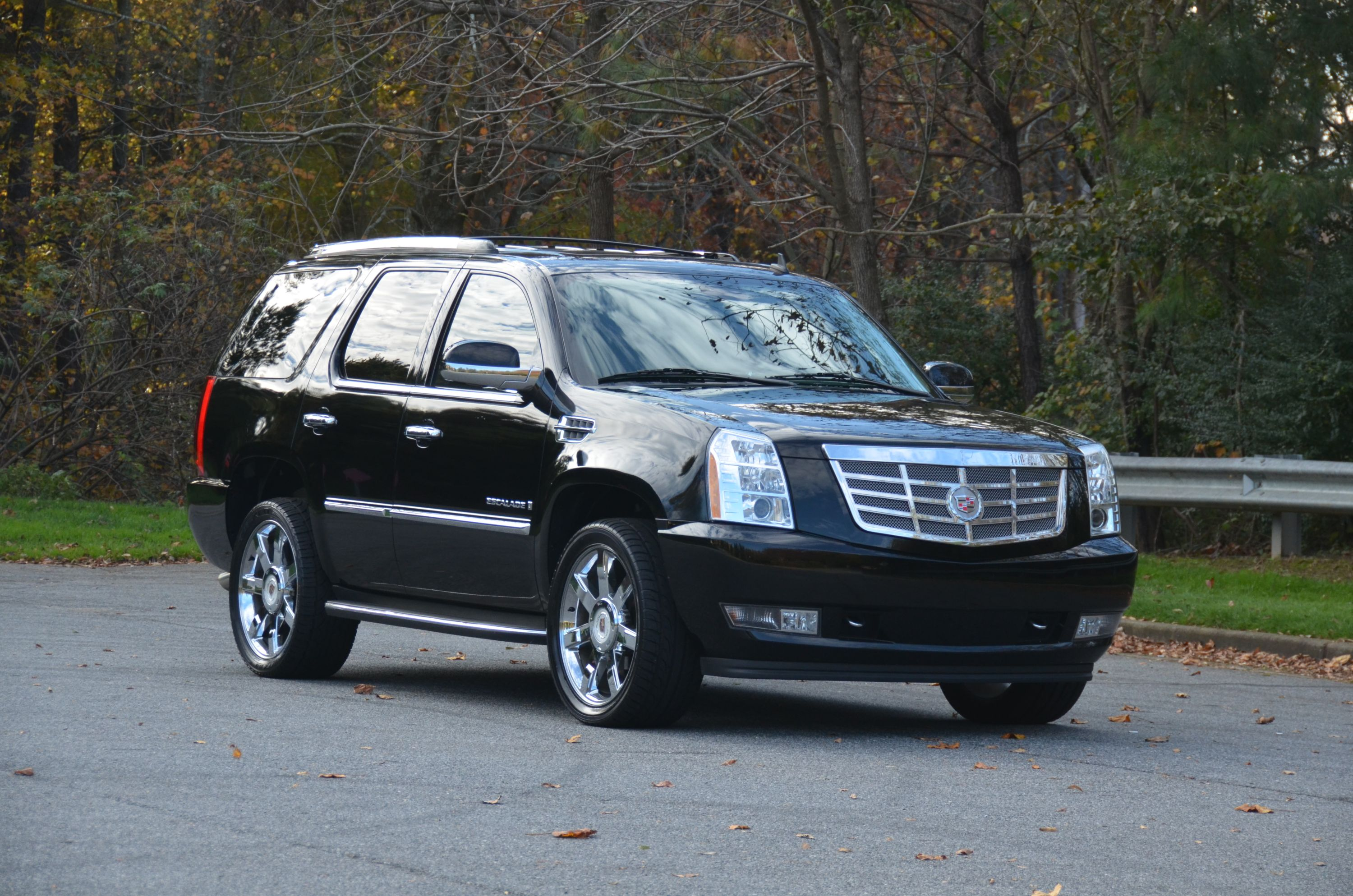 2009 cadillac escalade photos informations articles. Black Bedroom Furniture Sets. Home Design Ideas