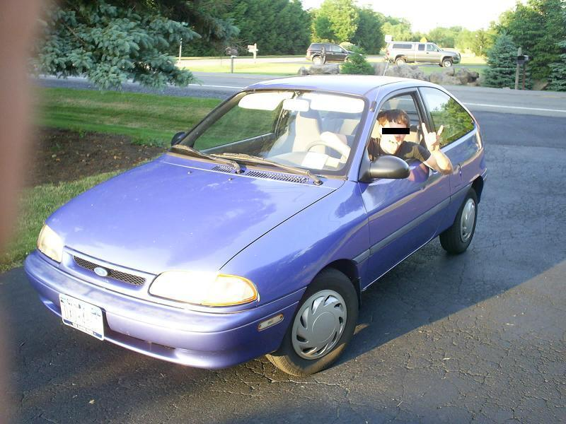 1995 Ford Aspire #2