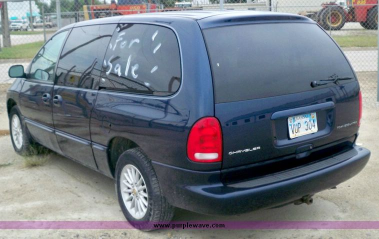2000 Chrysler Town And Country #12