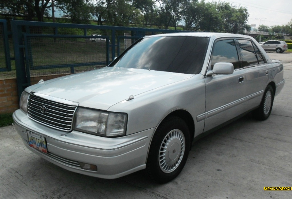 1997 Toyota Crown #10