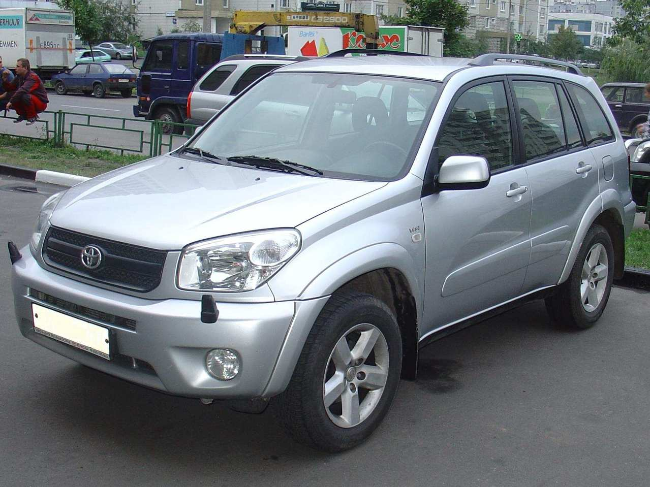 2004 toyota rav4 photos informations articles. Black Bedroom Furniture Sets. Home Design Ideas