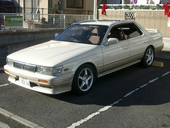 1990 Nissan Laurel #2