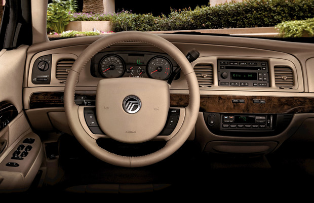 2011 Mercury Grand Marquis #3