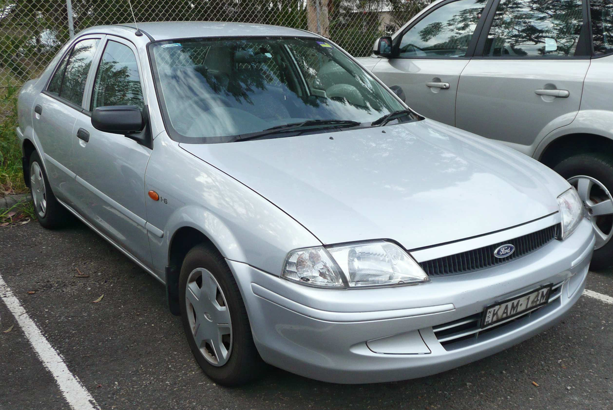 2001 Ford Laser Photos Informations Articles