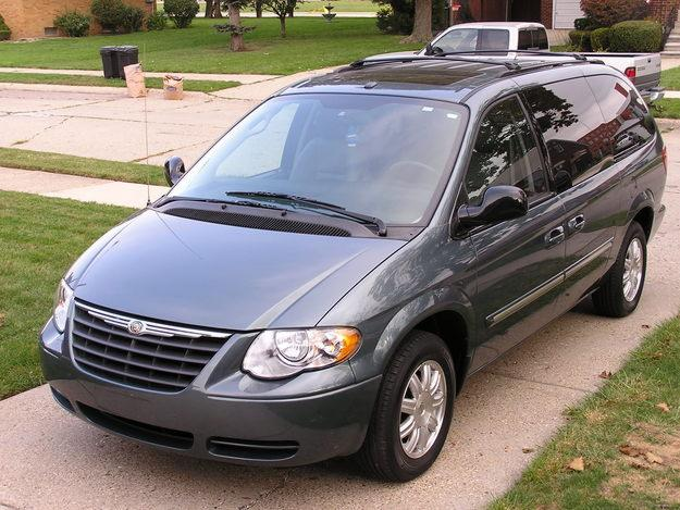 2006 Chrysler Town And Country #2