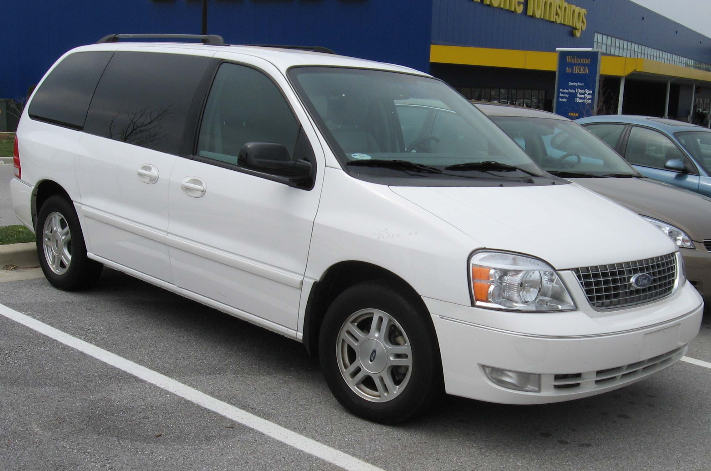 2007 Ford Freestar #3