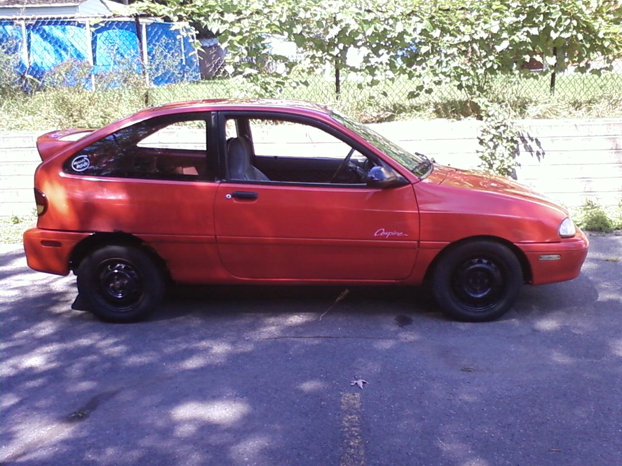 1994 Ford Aspire #5
