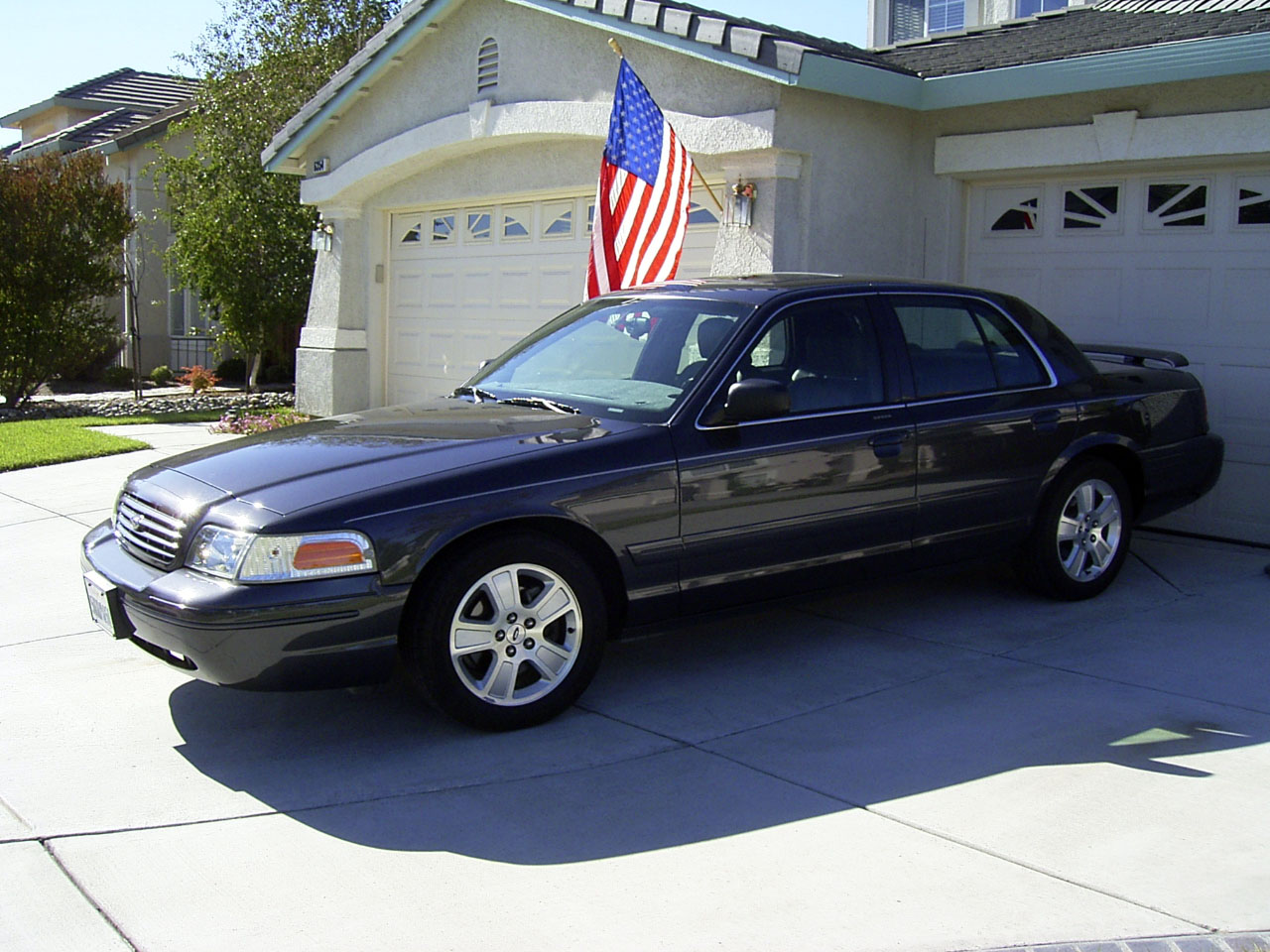 2005 Ford Crown Victoria #5