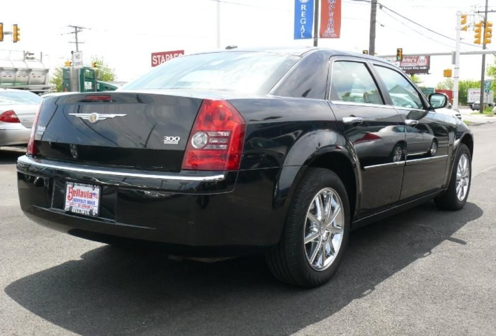 2009 Chrysler 300 #11