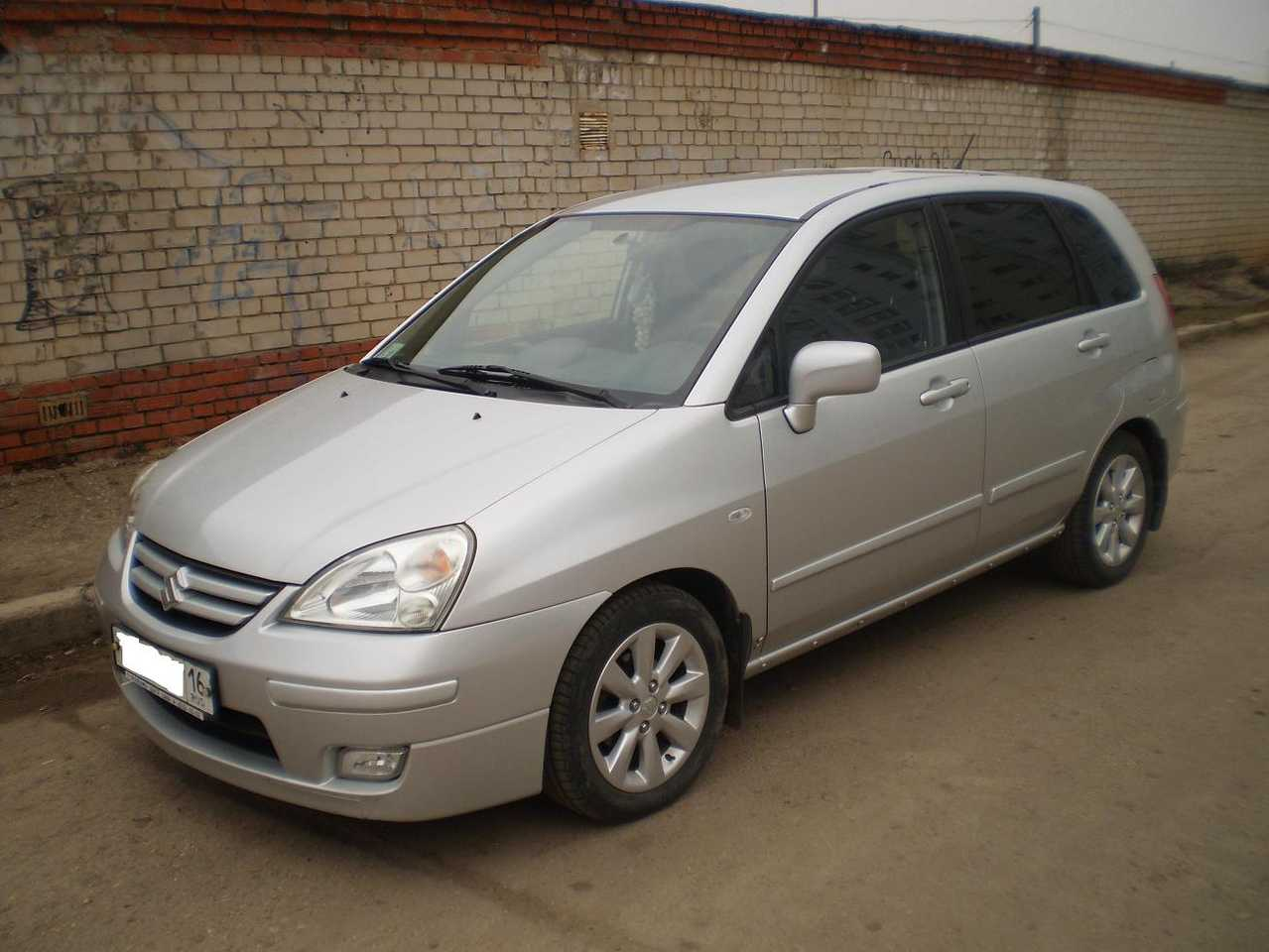 2004 Suzuki Liana Photos Informations