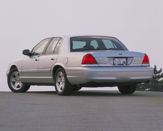 2002 Ford Crown Victoria #10