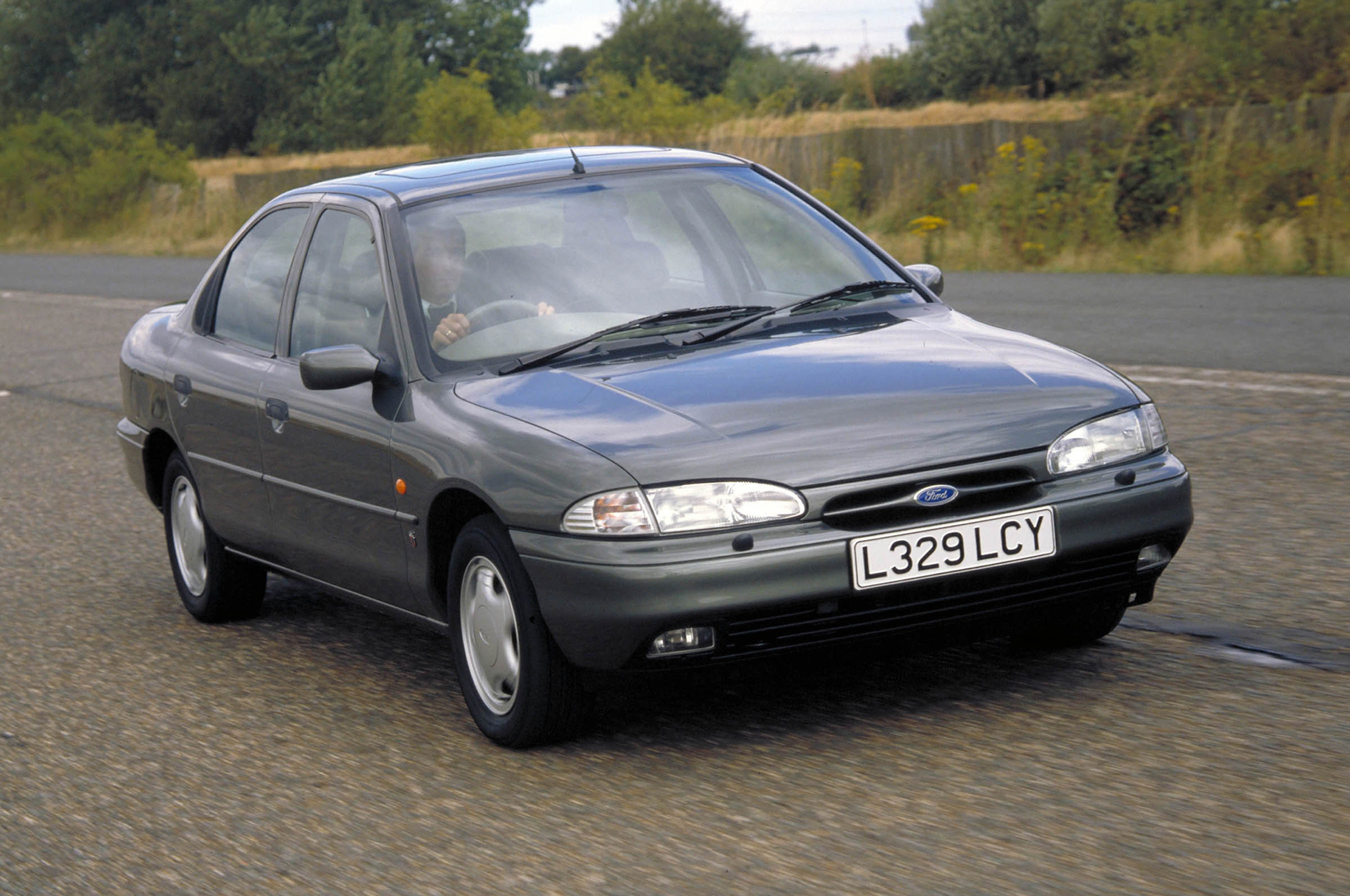 1993 Ford Mondeo #3