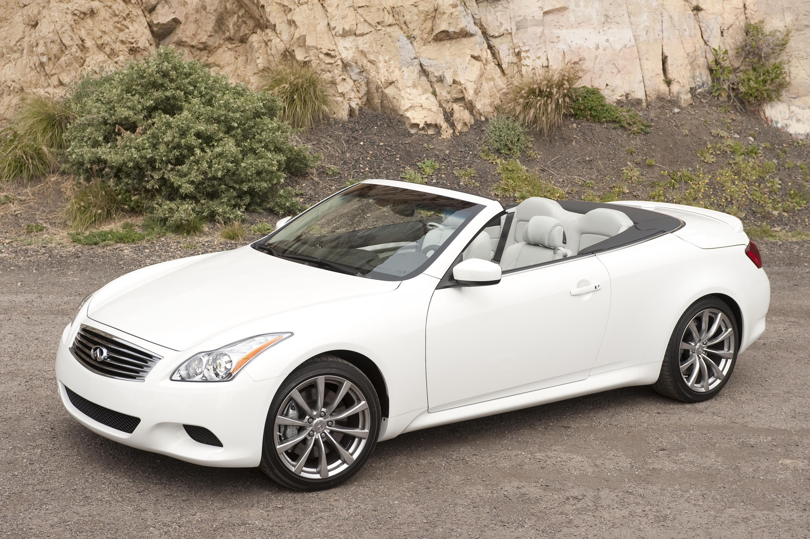 infiniti g37 convertible photos informations articles. Black Bedroom Furniture Sets. Home Design Ideas