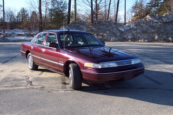 1994 Ford Crown Victoria #14
