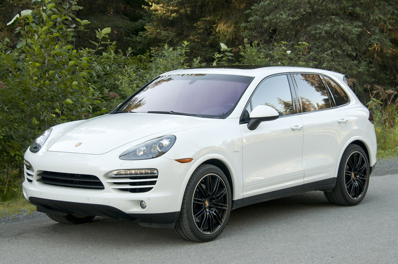 2013 porsche cayenne photos informations articles. Black Bedroom Furniture Sets. Home Design Ideas