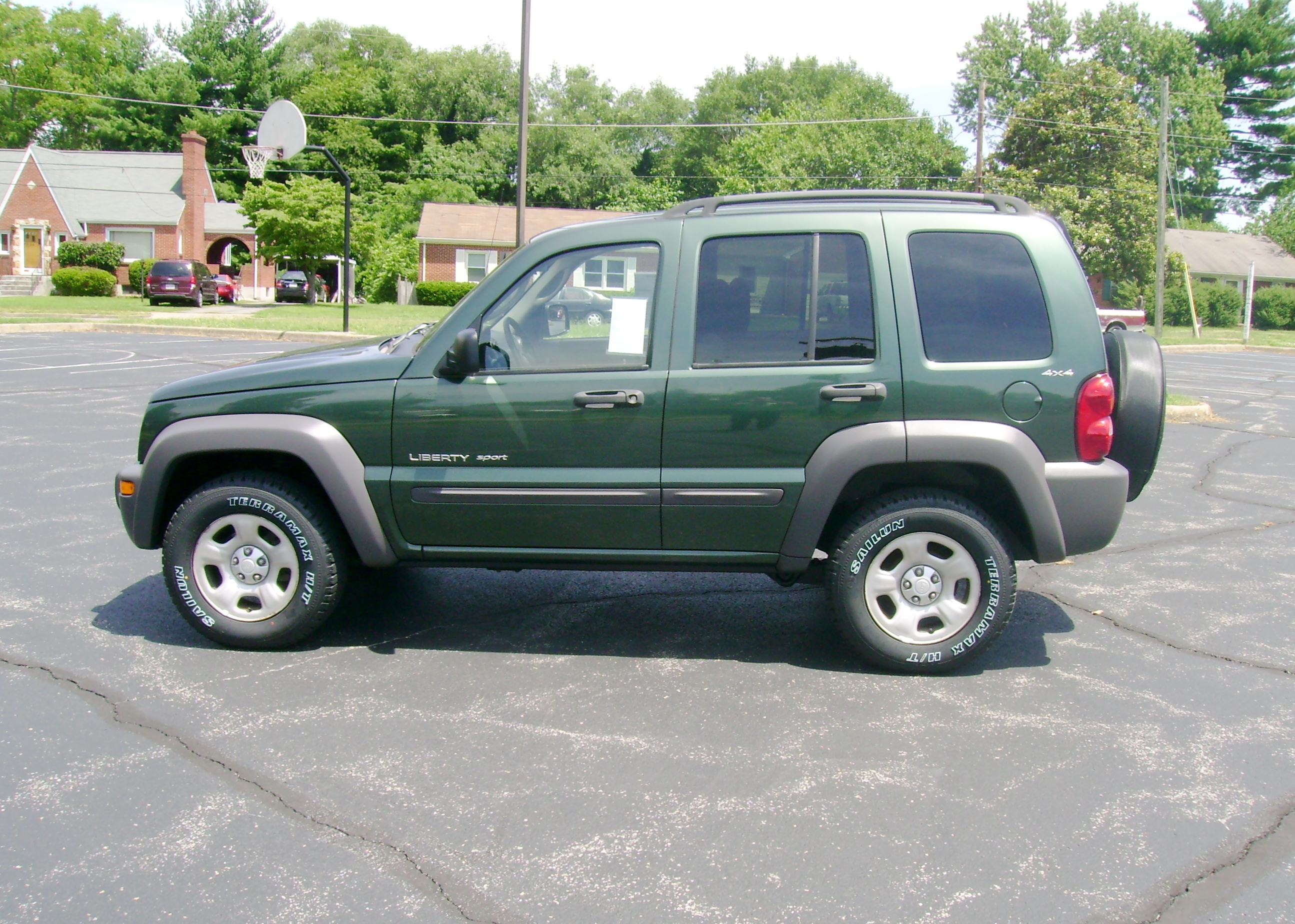 2002 jeep liberty photos informations articles. Black Bedroom Furniture Sets. Home Design Ideas
